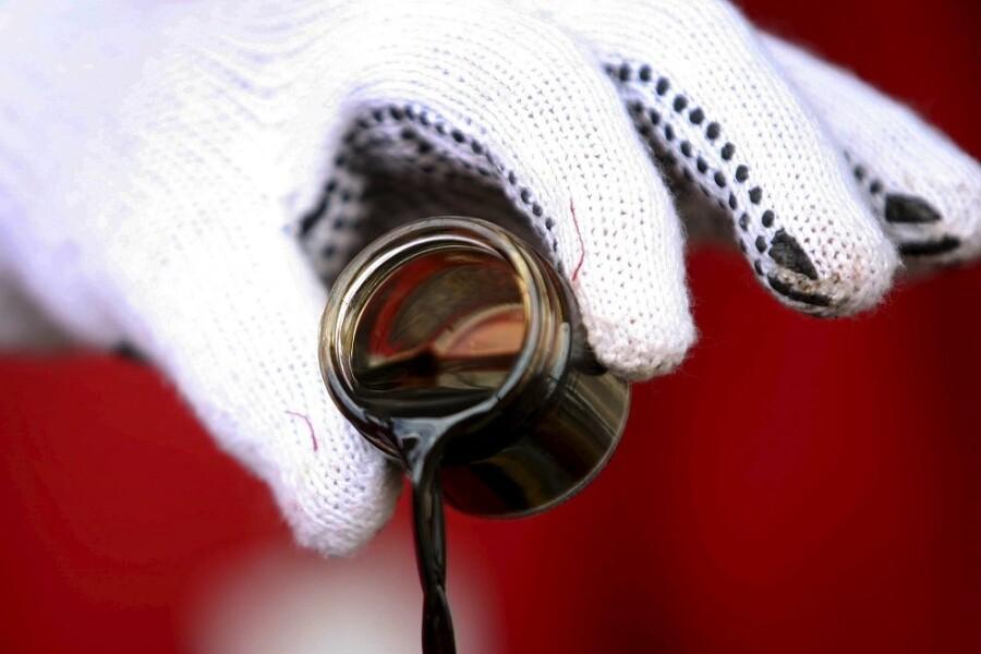 Goldman: нефть вырастет до $80 из-за резкого скачка спроса