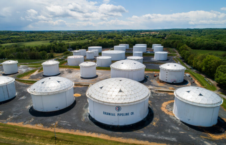 Минтранс США ввел режим ЧС в связи с ситуацией с Colonial Pipeline