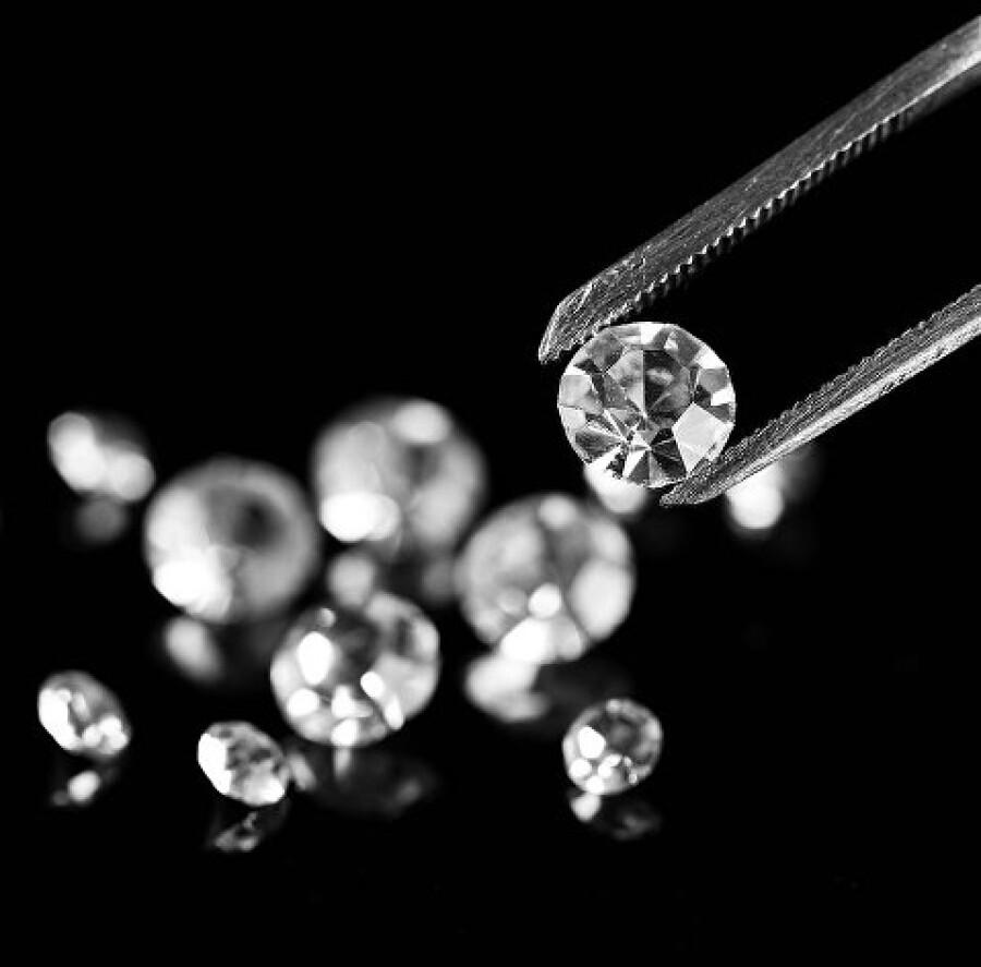 Крупнейший бриллиант в России продан за $14 миллионов