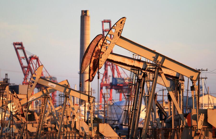 Цена нефти Brent выросла до $71 за баррель впервые с начала марта