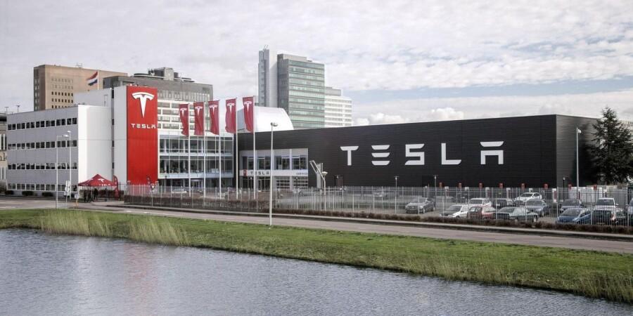 СМИ: Panasonic продал свою долю в Tesla