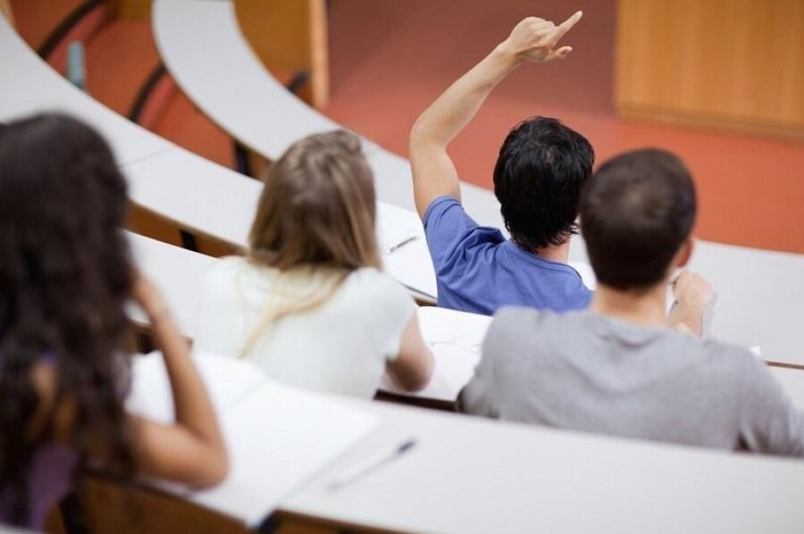"""Более 7 тысяч казахстанских студентов получили образовательные кредиты при поддержки АО """"Финансовый центр"""""""