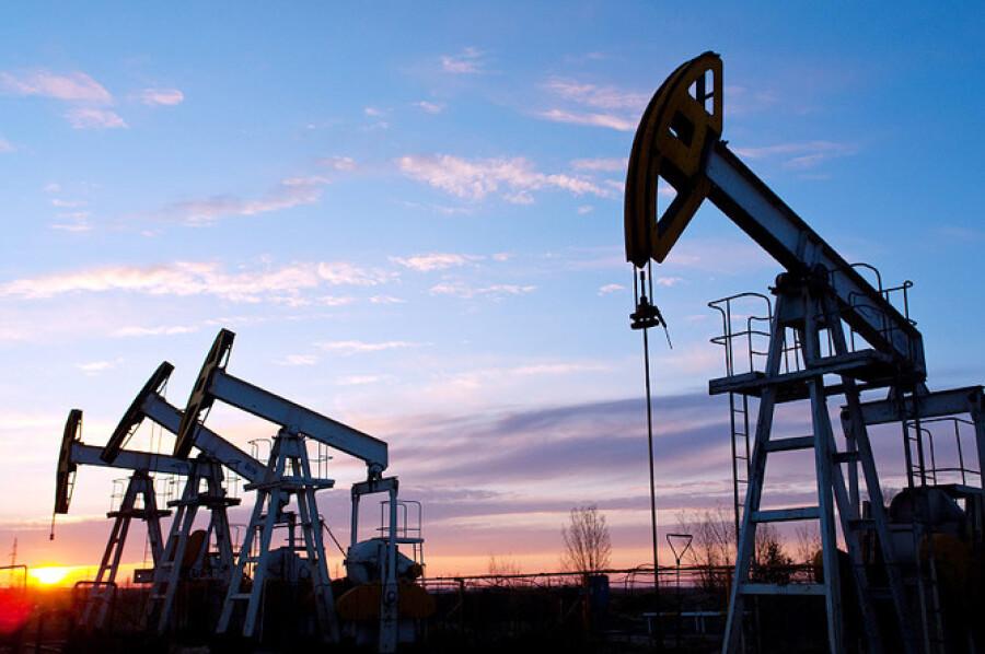 Казахстан планирует увеличить добычу нефти в 2022 году до 87,9 млн тонн