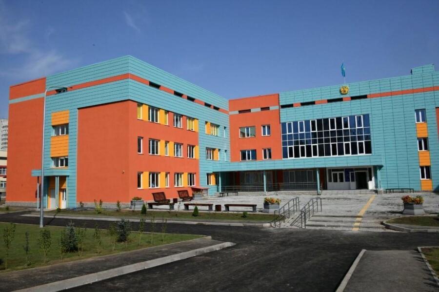 В Алматы создается более 23 тысяч новых ученических мест